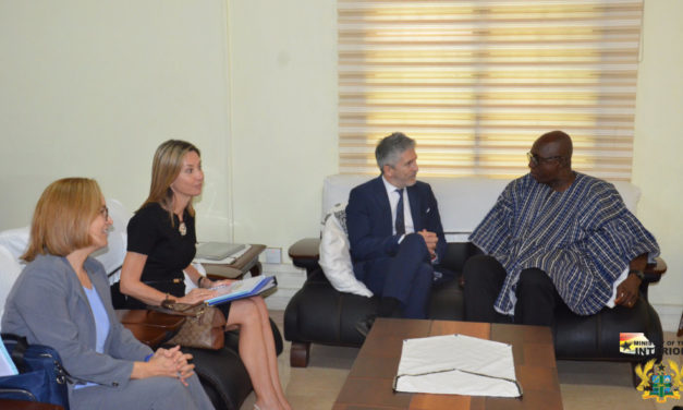 MINISTER FOR INTERIOR CONFERS WITH COUNTERPART MINISTER FROM SPAIN